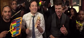 "Jimmy Fallon, Robin Thicke & The Roots Sing ""Blurred Lines"""